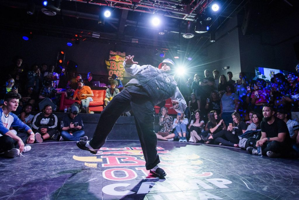 Popping - the explosive of the street dance styles